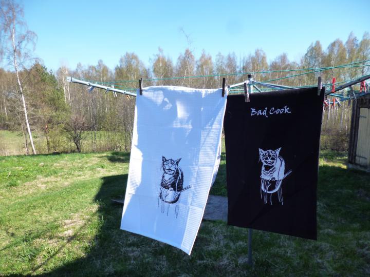 Poor cat kitchen towels