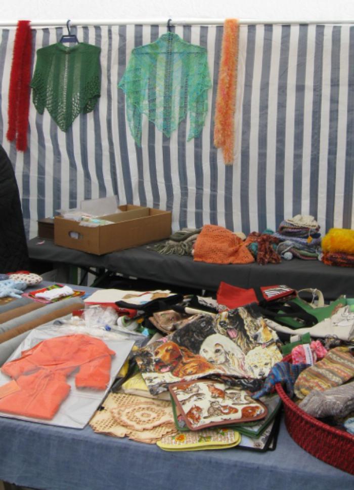 Tierheim shawls on the stand