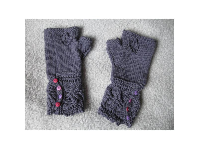 Thermal Wool Lace Veyla Mitts | Worsted Knitt