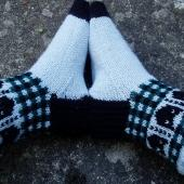 Kitty socks, knit by Worsted Knitt